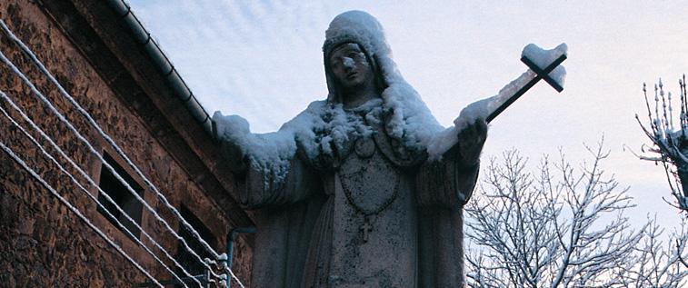 Estatua de Sor María Jesús de Ágreda