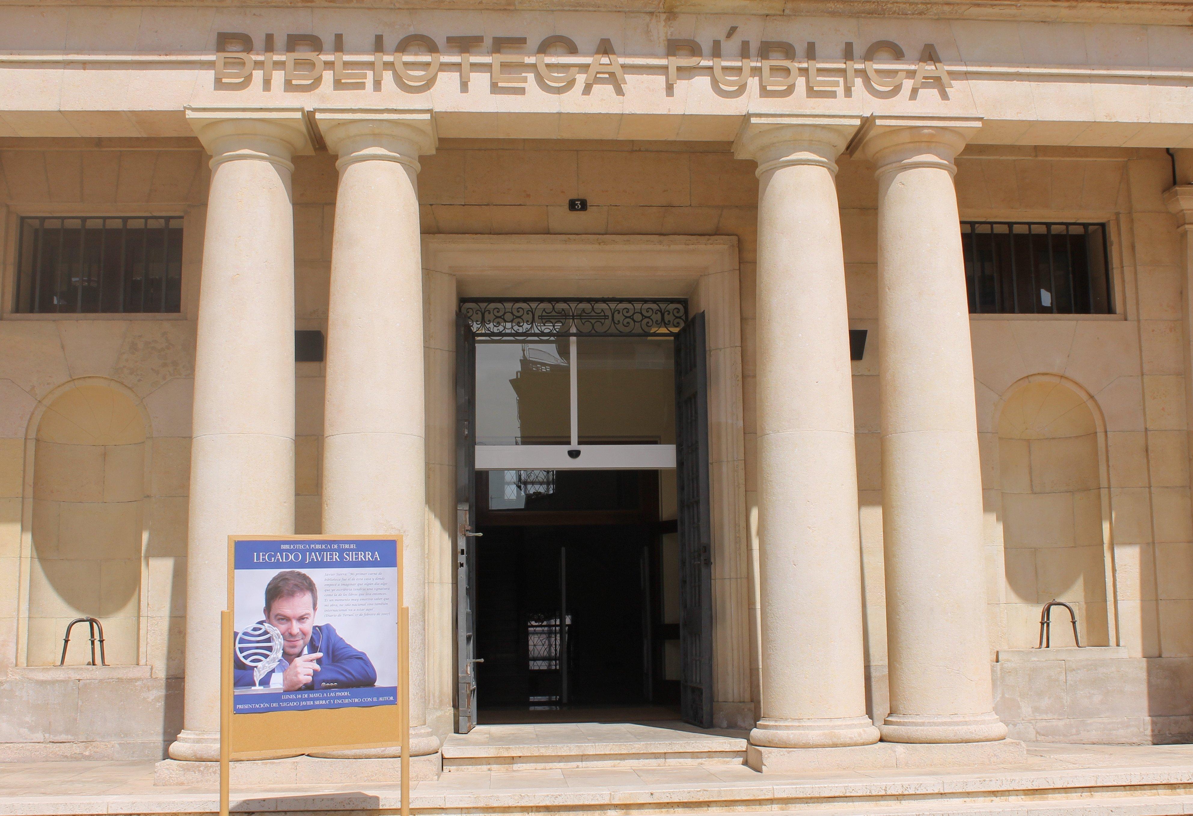 Biblioteca Pública del Estado en Teruel Javier Sierra