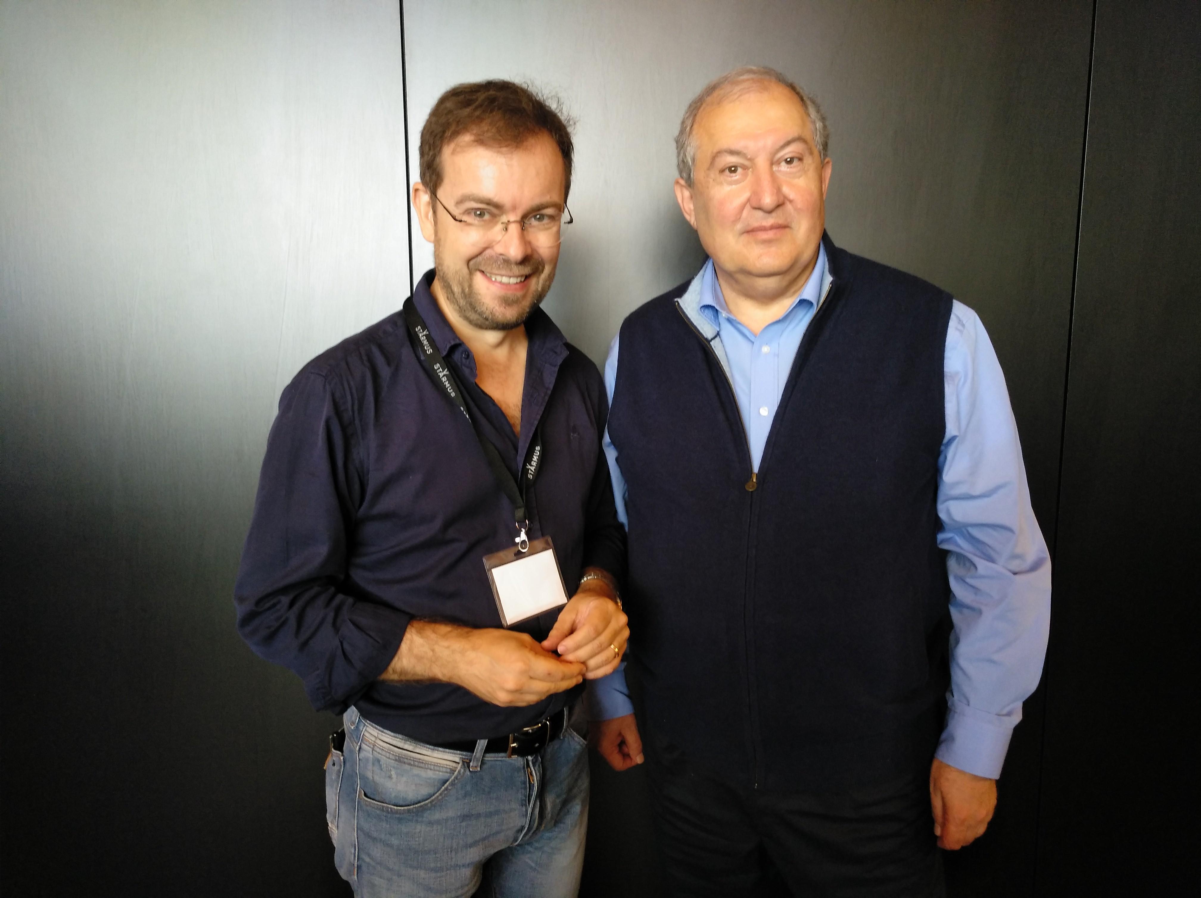 Presidente Armenia y Javier Sierra