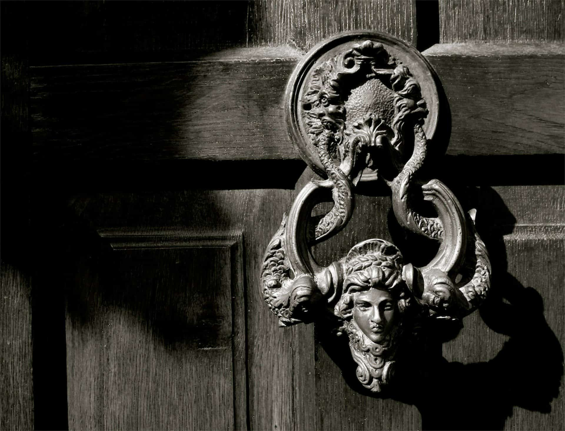 Dacre SToker Puerta