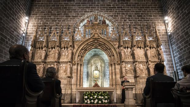 Imagen de la capitall del Santo Cáliz en la catedral de Valencia
