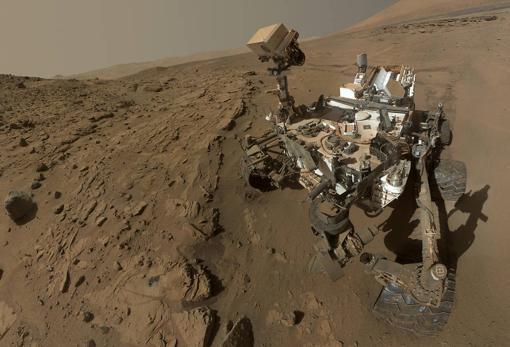 El rover Curiosity explora las rocas y el clima más antiguo de Marte.